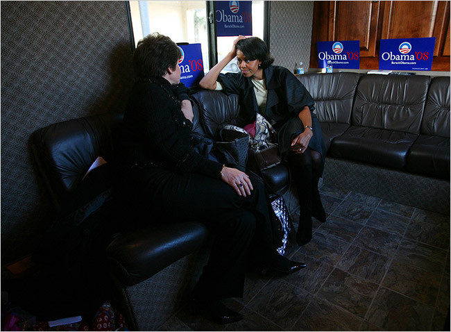 Valerie Jarrett and Michelle Obama are close friends. Photo: NYT, Jan 2008