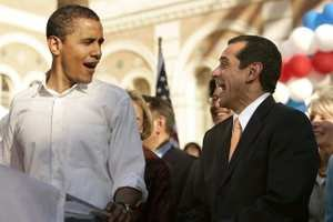Barack Obama and Antonio Villaraigosa