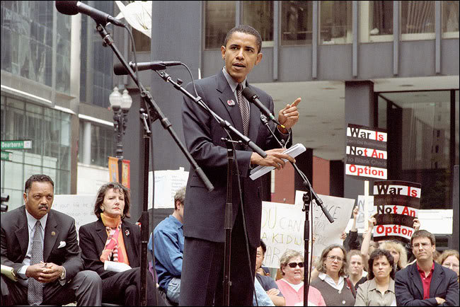 Obama addresses the Oct. 2, 2002 Federal Plaza rally