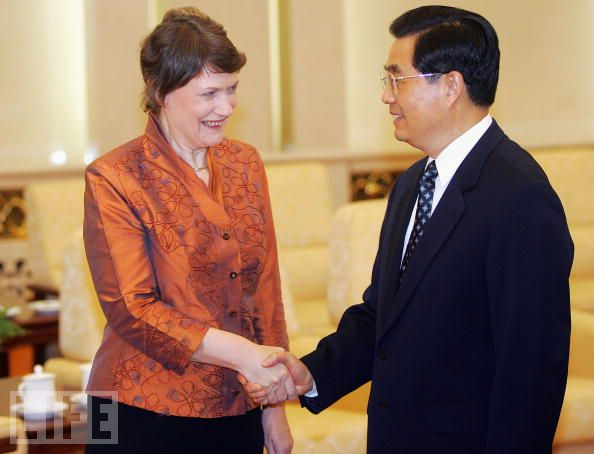 Helen Clark, meets with Chinese President, Hu Jintao, at the Great Hall of the People in Beijing, May 30, 2005. Clark arrived in Beijing late 29 May for a working visit to meet Chinese leaders